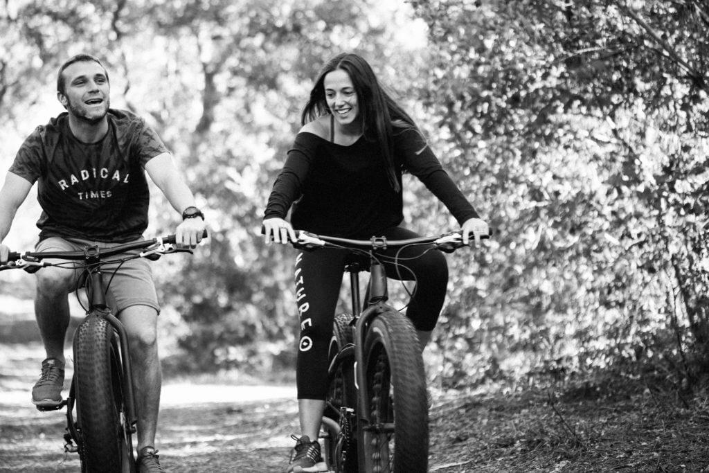 Pierre Rollet et Paola Lasaosa - Surf camp Naturéo Cours et Stages de Surf et Yoga à Seignosse Hossegor, Landes